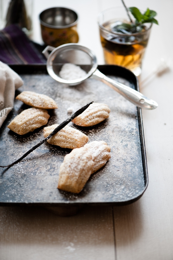 Burnt Butter and Vanilla Bean Madeleine | the.krooked.spoon